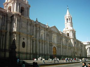 1200px-Basilica_Cathedral_of_Arequipa