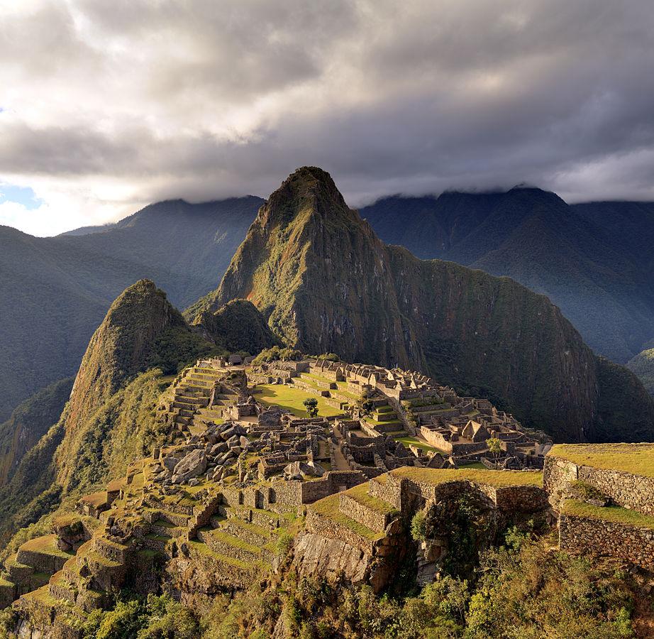 922px-80_-_Machu_Picchu_-_Juin_2009_-_edit.2